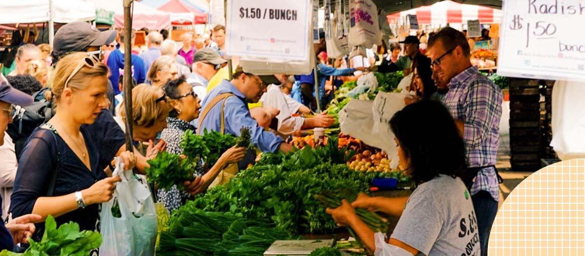 A busy farmers market